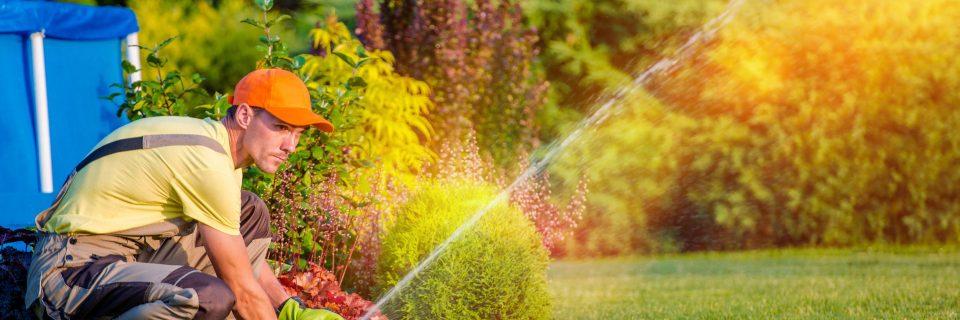 Dbamy o to, żeby nasi klienci długo mogli cieszyć się pięknymi ogrodami, dlatego w naszej ofercie znajduje się szereg usług związanych z nawadnianiem ogrodów.